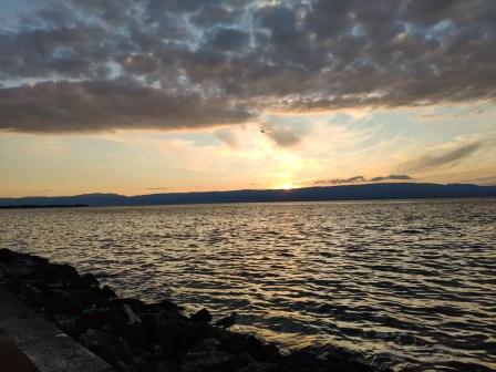 Evian couche de soleil sur le lac