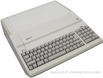 Apple IIe Platinum