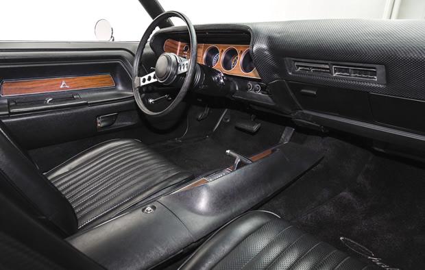 1972 Dodge Challenger Rallye In TX9 Black With 340 V8 Engine
