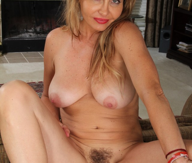 Real Wifes Naked Tgp Self Suck Mpg Signs Of Latex Condom Allergy