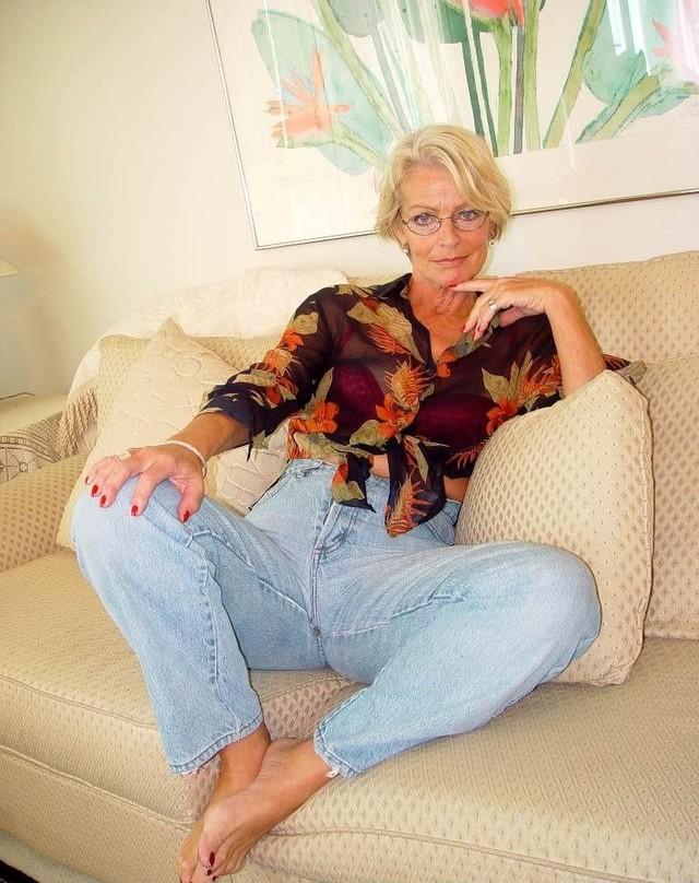 Howard nackt Justine Taylor  Taylor Justine