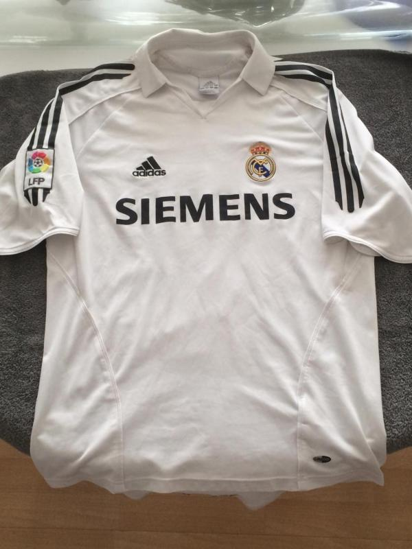 Real Madrid Home Maillot De Foot 2005 - 2006. Sponsored