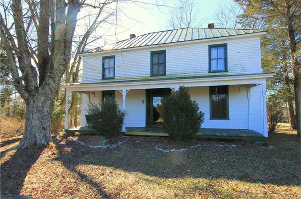 1900's Farmhouse In Cumberland Virginia