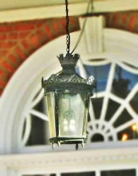 exterior victorian porch lighting