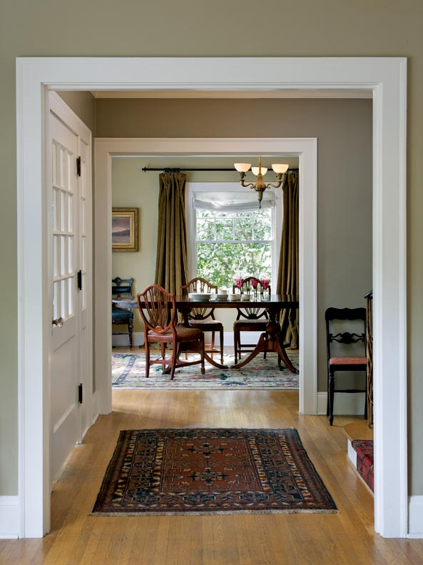 Choosing Paint Colors for a Colonial Revival Home