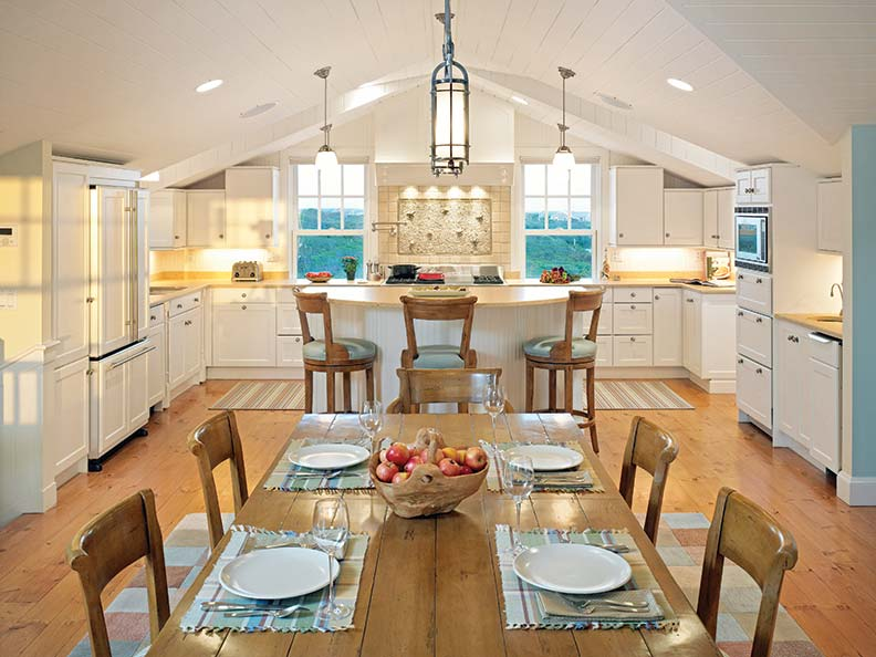 Creating A Traditional Nantucket House Restoration Amp Design For The Vintage House Old House