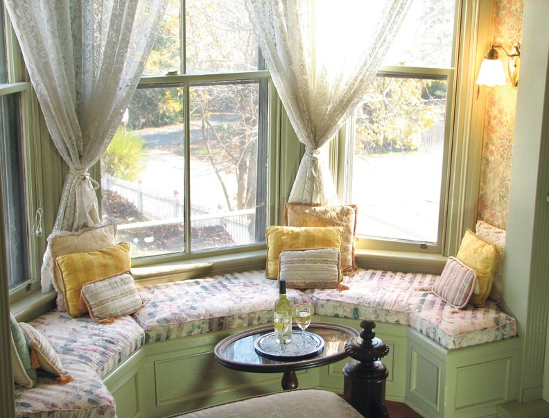 How To Decorate Round Rooms  Old House Restoration