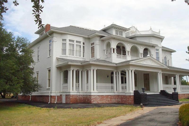 1898 Victorian In Marlin Texas