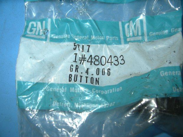 1970 - 1972 Firebird Gear Shift Control Button NOS # 480433 package