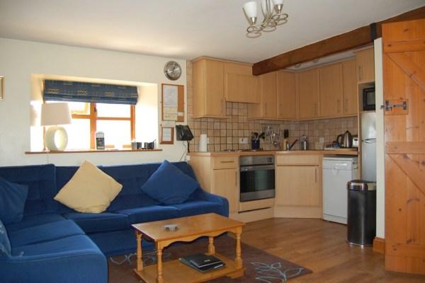 Tinwick sitting room / kitchen