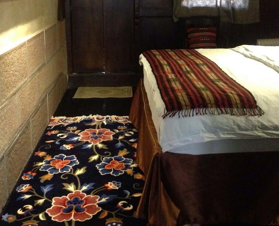Shaxi guestrooms at Old Theatre Inn - Yunnan China