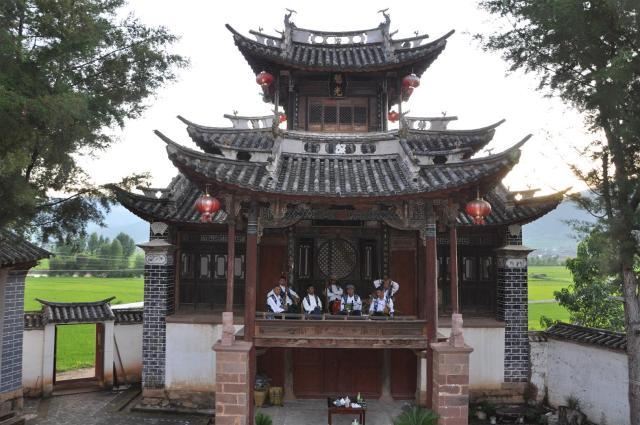 traditional shaxi music performance - Old Theatre Inn - Yunnan China