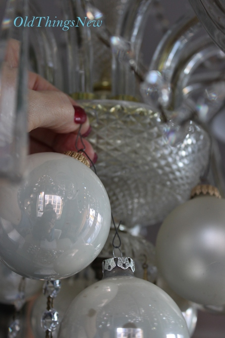 18-Undecorating the Christmas Chandy 028