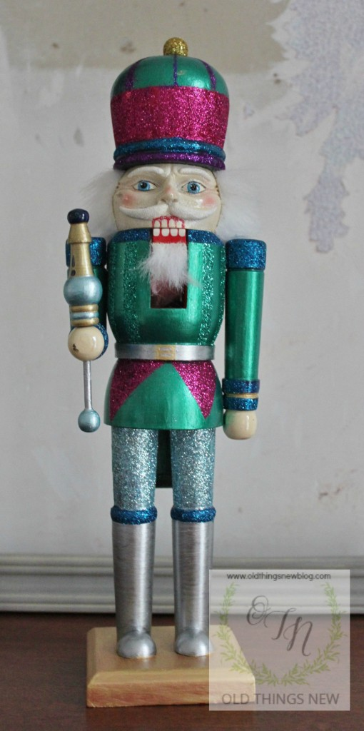 Creating a glittery nutcracker from a thrift store find old things new glittery nutcracker after 008 solutioingenieria Image collections