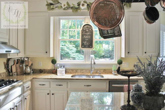 Kitchen with french touches 010