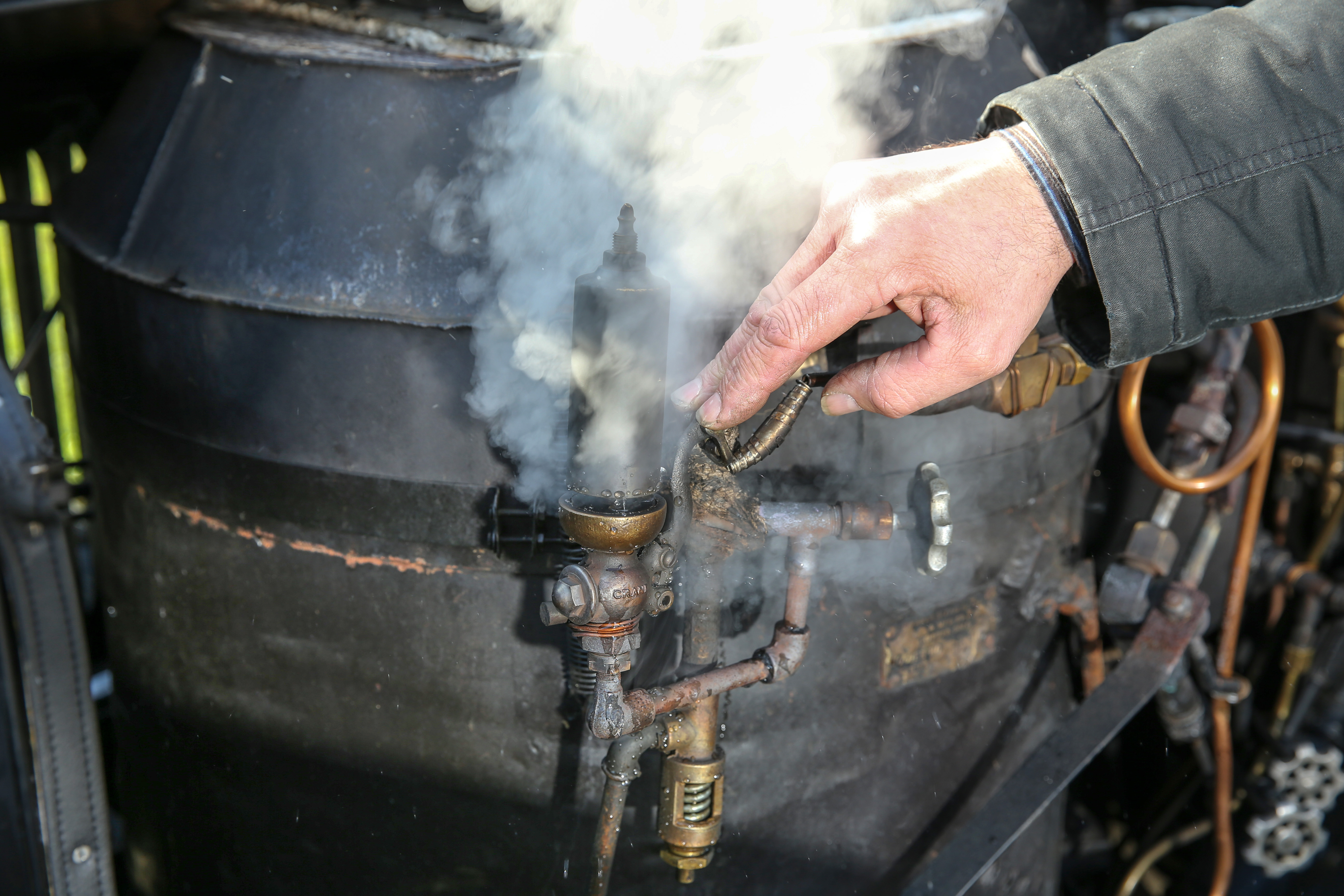 Dampf Ablassen Stanley Steamer 735d (1919) Kessel - Baker Boiler - Überdruckventil - Dampfauto - Steam Car - Oldtimer mieten in Fulda, Hessen und Deutschland