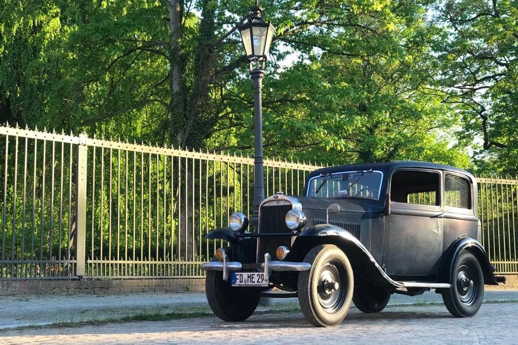 Opel 1,2 Liter aus dem Jahr 1933 Oldtimer mieten