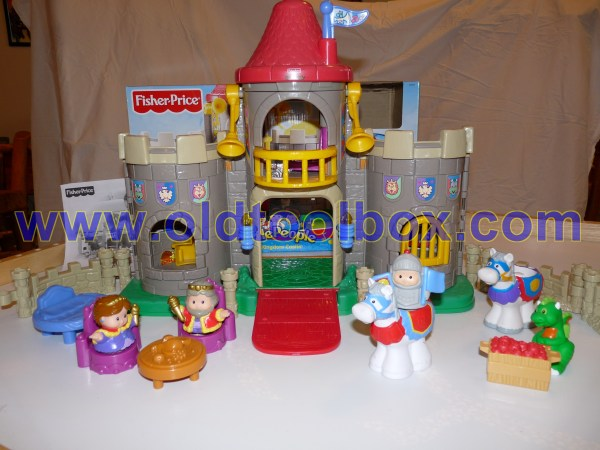 Fisher Little People Lil Kingdom Castle Playset