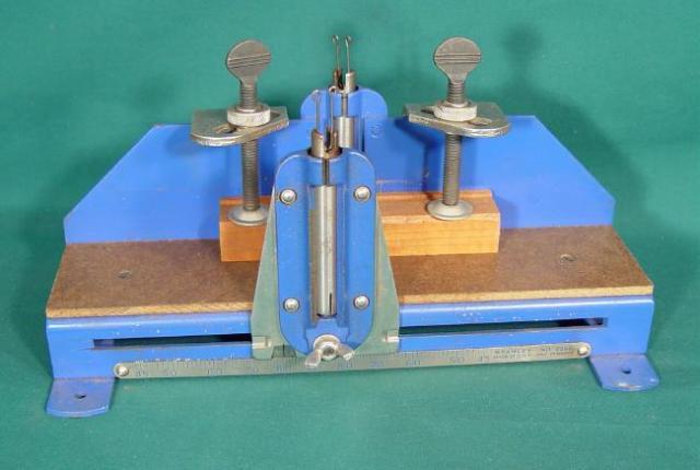 Metal Mitre Box http://michellehaley.fastpage.name/handmiterboxmetal/