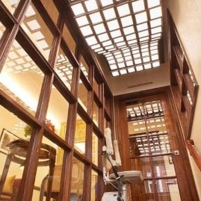 Malpeso-Dentist-Office-Staircase