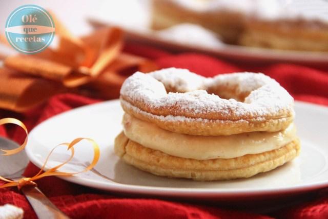 pastelitos de hojaldre con crema de turrón