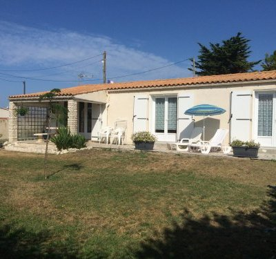 Belle maison avec jardin 100mde la plage WIFI