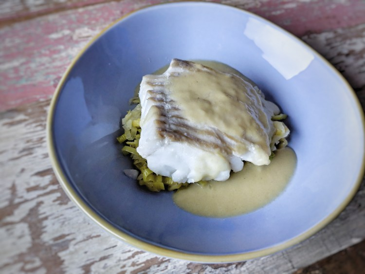 Cod with potato and leak sauce