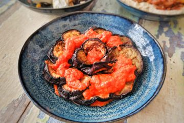 Fried aubergine with roasted pepper sauce