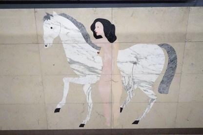 Frau mit Pferd am Campo Pequeno Lissabon