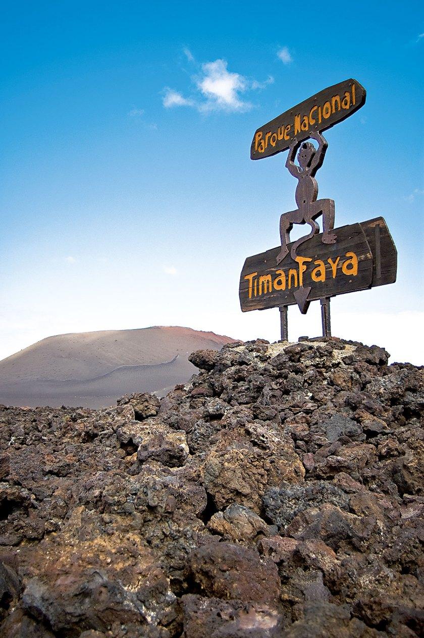 Wahrzeichen Lanzarotes und Manriques: Die Teufelskulptur am Eingang des Nationalparks Timanfaya