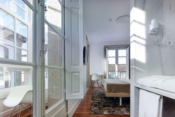 Reduziertes Interieur im Pazo de Altamira