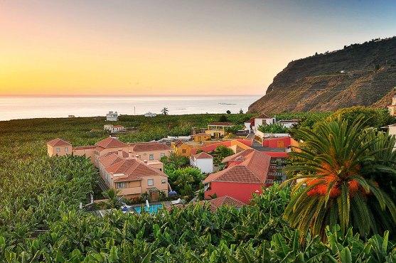 Ausblick Dächer und Palmen Hacienda de Abajo La Palma