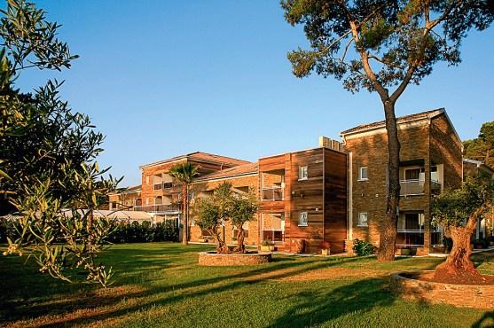 Außenansicht Hotel La Lagune auf Korsika
