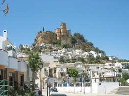Weißes Dorf in Andalusien