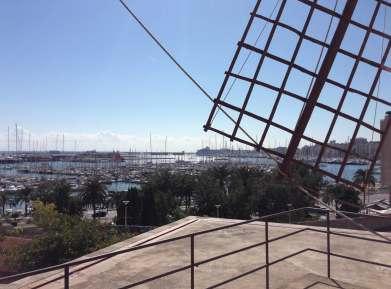 Mühlrad Blick auf Hafen Palma
