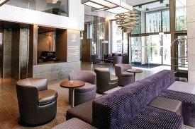 Bar des Hotel Neya Lisboa bei OLIMAR Reisen