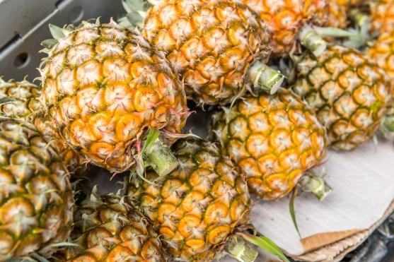 Ananas auf den Azoren Detail Obstladen