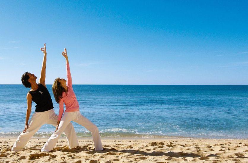 Yoga am Meer im Urlaub