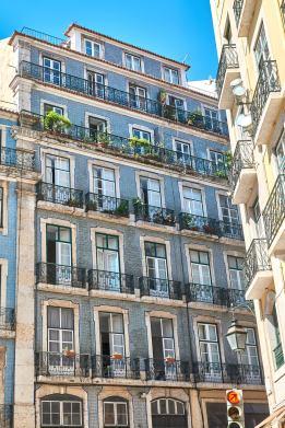 Haus Fassade Kacheln Lissabon