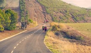 Straße zum Pico do Facho Portugal Wanderurlaub