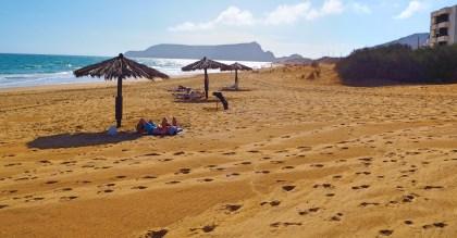 Strand mit Sonnenschirmen Porto Santo