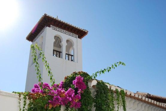 Weißer Turm in Granada