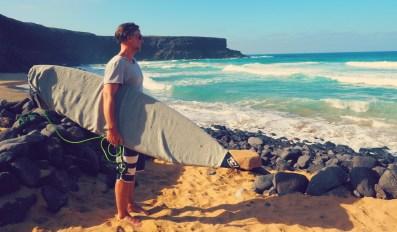 Surfer am Strand El Cotillo Fuerteventura