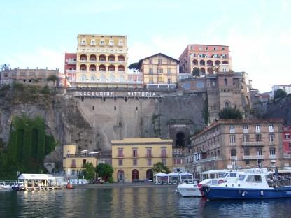 Amalfiküste Boote Sorrent Marina Piccola