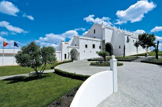 Convento do Espinheiro Hotel & Spa