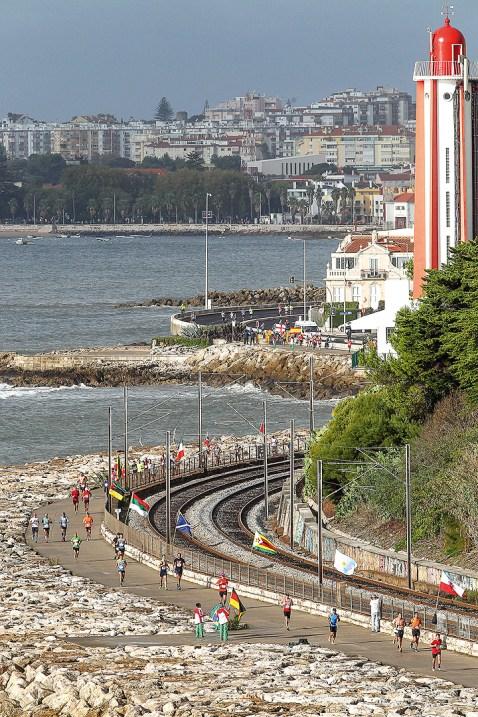 Am Meer entlang beim Lissabon Halbmarathon