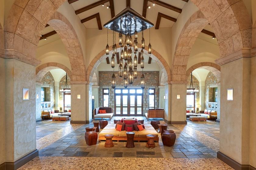 Lobby des The Westin Resort Costa Navarino