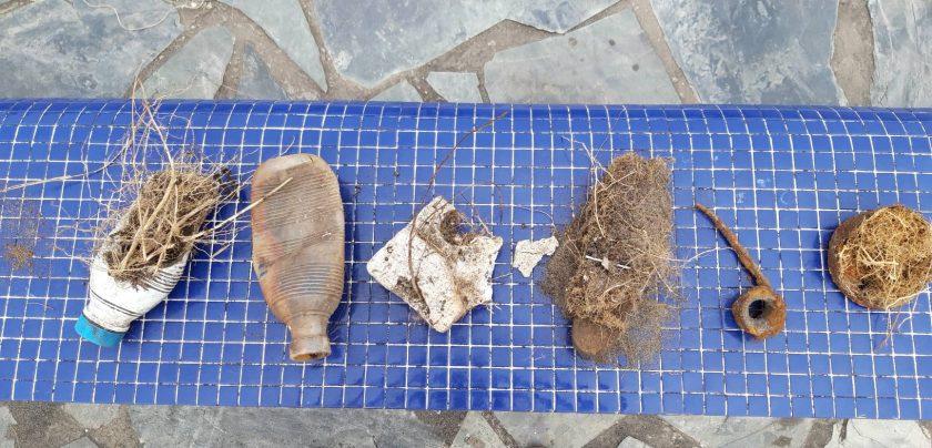 Plastikmüll am Strand San Juan di Arena