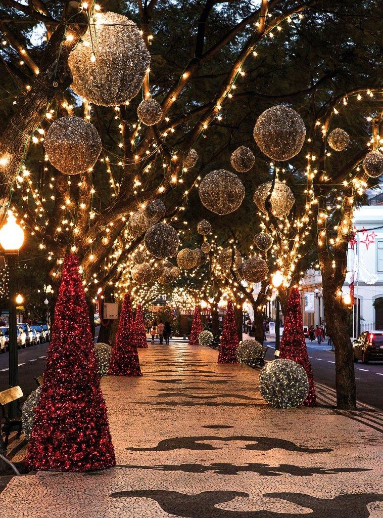 Weihnachtliche Dekoration in der Altstadt von Funchal