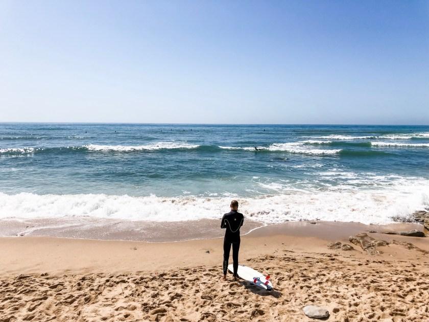 Surfer am Ribeira Beach Ericeira